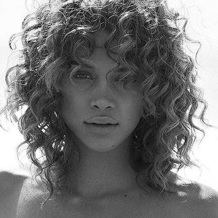 Jasmine-Sanders-Shoot Haircuts for Short Curly Hair