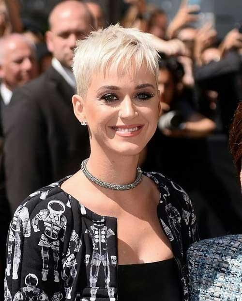 Katy-Perry-Pixie-Haircut Blonde Short Hair Ideas for Ladies