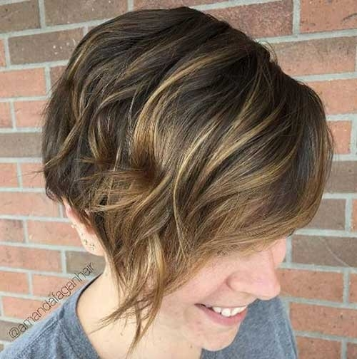Pixie-with-Highlights Splendid Layered Short Haircuts for Ladies