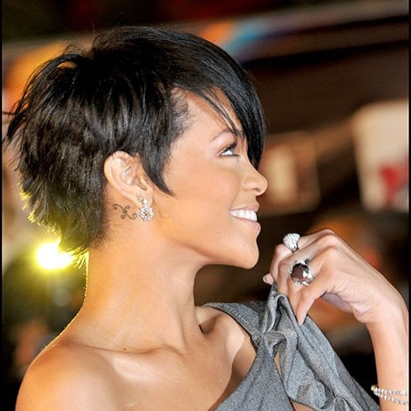 Rihanna-Short-Pixie-Haircut Best Rihanna Short Hairstyles