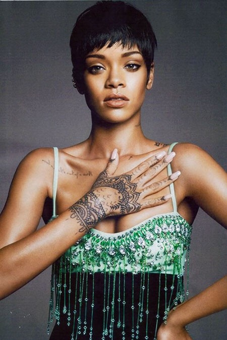 Rihanna-Short-Trendy-Cut Best Rihanna Short Hairstyles