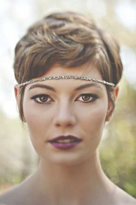 Short-Gorgeous-Wavy-Hair Short Hair Wedding Styles