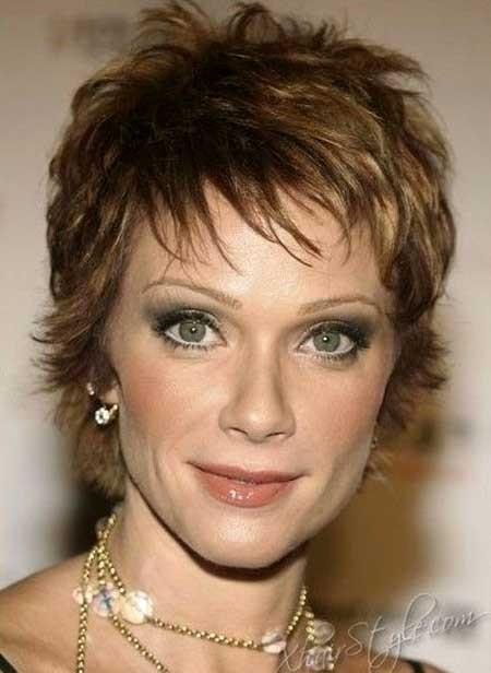 Short-Layered-Hairstyle-for-Older-Women Best Short Haircuts for Older Women