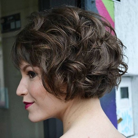 Short-Length-Wavy-Hairtyles Haircuts for Short Curly Hair