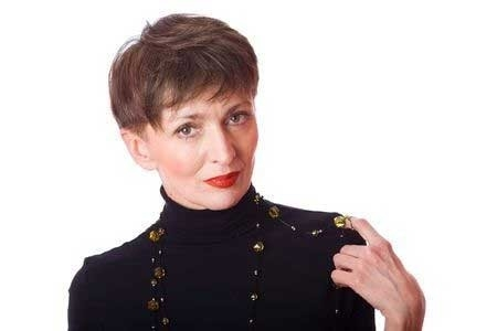 Short-Messy-Hairdo-with-Short-Bangs Best Short Haircuts for Older Women