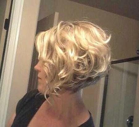 Thick-Curls Short Bob Haircuts for Older Women