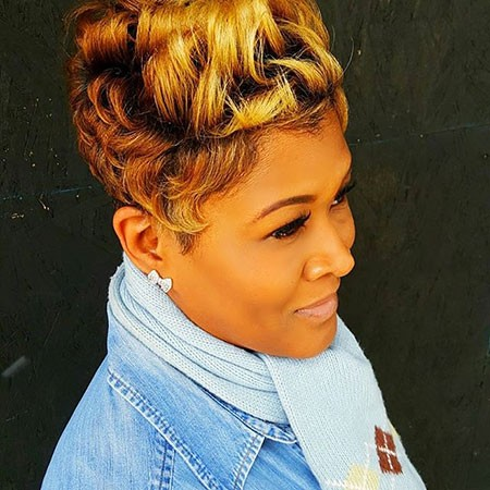 Blonde-Pixie Best Short Hairstyles for Black Women