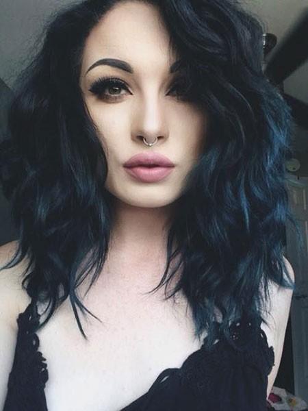 Dark-Blue-Hair Best Short Blue Hair