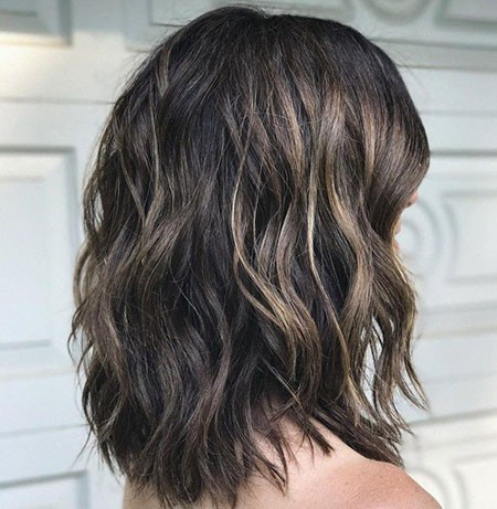 Haircuts-for-Thick-Wavy-Hair Short Layered Wavy Hairstyles