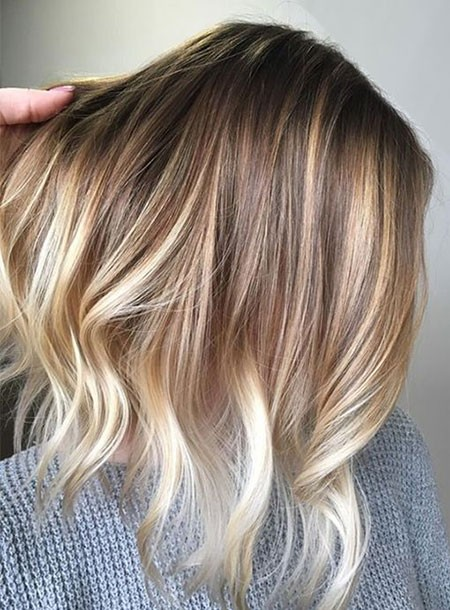 Mixed-Tones-of-Dark-and-Light-Blonde Best Short Hair Color Ideas