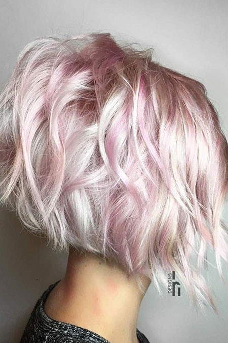 Pinky-Hairstyles Short Layered Wavy Hairstyles