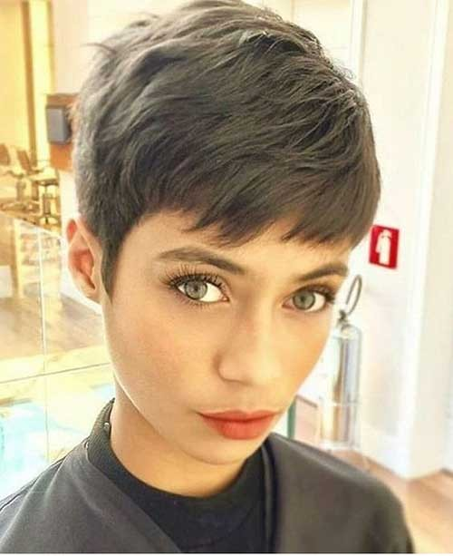 Straight-Hair-Pixie Best Pixie Haircuts for 2018