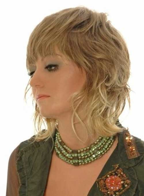 The-Best-Medium-Length-Hairstyle-with-Bangs Short Shaggy Haircuts