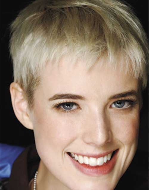 Very-Short-and-Straight-Hairstyle-for-Fine-Hair Best Short Haircuts for Straight Fine Hair