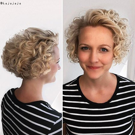 Curly-Hair-with-Volume Short Curly Blonde Hair Ideas
