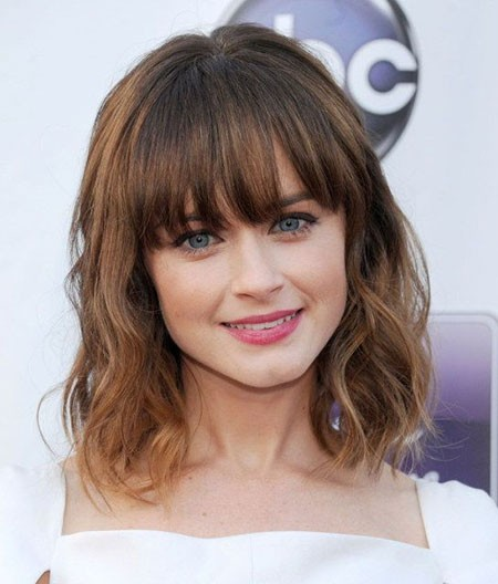 Natural-Waves-with-Fringe Cute And Easy Hairstyles for Short Hair