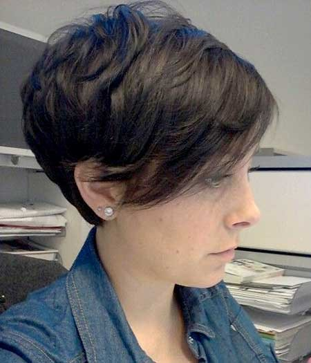 Short-Layered-Pixie-Hairstyle-with-Long-Bangs Long Pixie Hairstyles