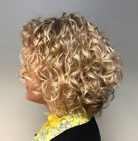 Soft-Curls Short Curly Blonde Hair Ideas