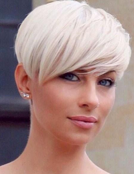 White-Hair Best Womens Short Haircuts