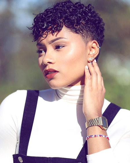 15-Short-Haircuts-for-Black-Women-2018-407 Short Haircuts for Black Women
