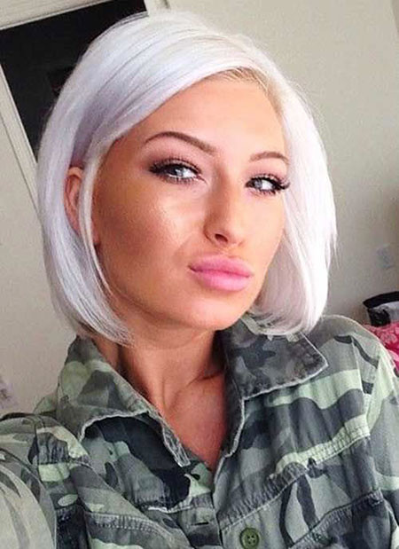 Beach-Blonde-Chin-Length-Bob Best Short White Blonde Hair