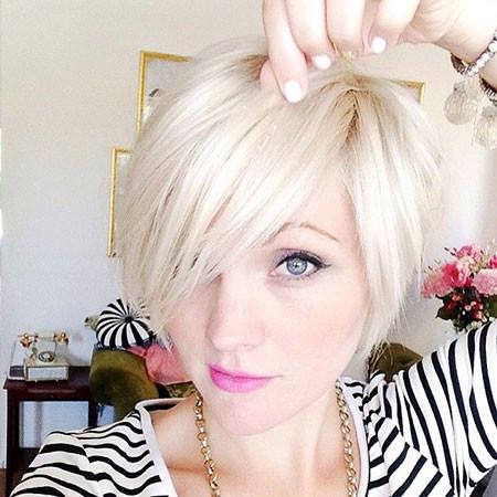 Blonde-Short-Bob Short Platinum Blonde Hairstyles