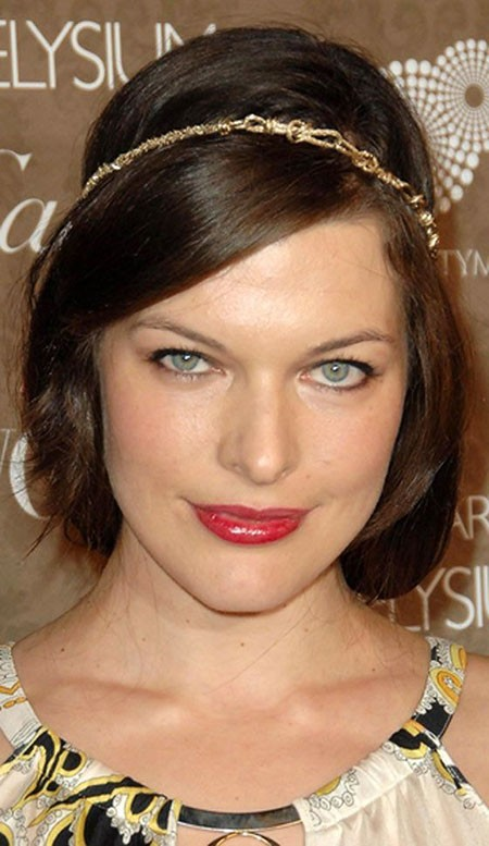 Charming-Beautiful-Fancy-Look Short Hairstyles for Oblong Faces