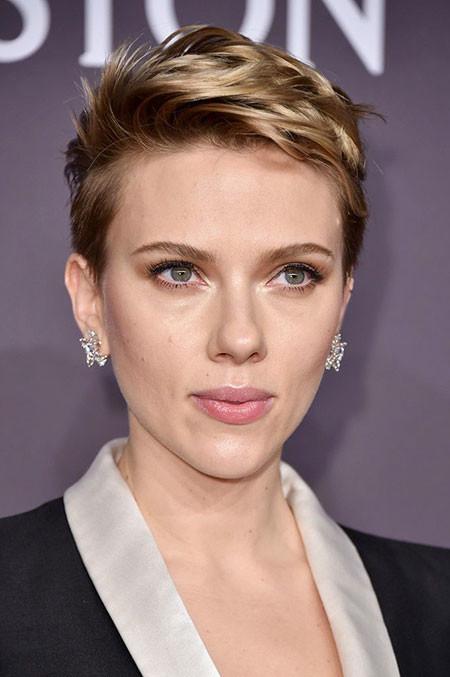 Classy-Short-Hair Best Scarlett Johansson Short Hair