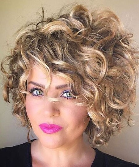 Curly-Short-Bob Chic Short Curly Hairstyles for Women