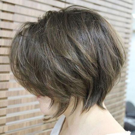Elegant-Layered-Short-Hair Best Layered Bob Hairstyles