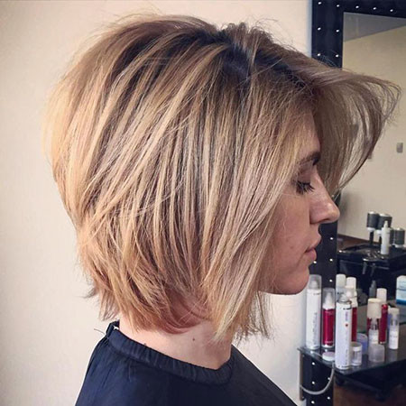 Honey-Blonde-Lob Best Layered Bob Hairstyles