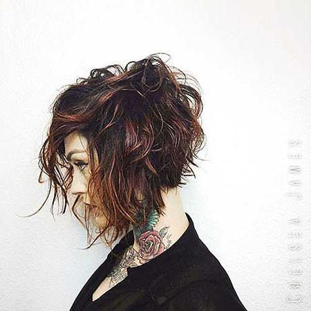 Messy-Wavy-Hair Short Hairstyles for Wavy Hair