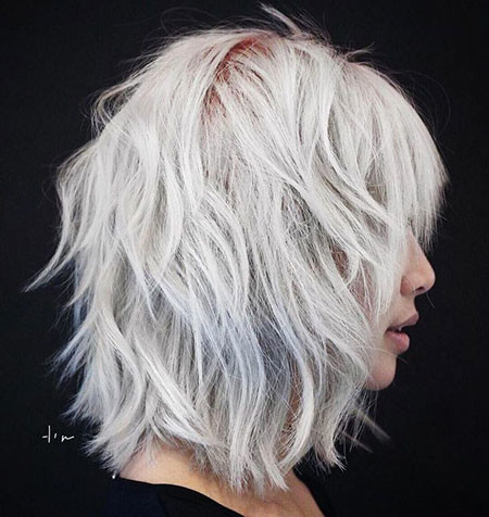 Platinum-Wavy-Hair Best Layered Bob Hairstyles