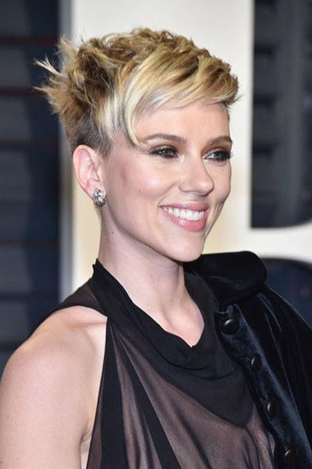 Shaved-Sides Best Scarlett Johansson Short Hair
