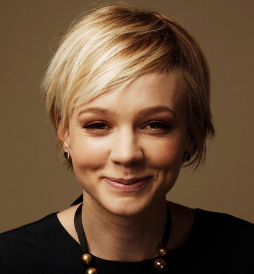Short-Blonde-Pixie-Haircut Popular Celebrity Short Haircuts