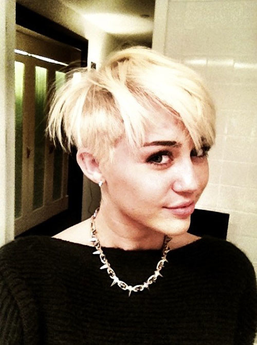 Short-blonde-hair-celebrities Celebrity hairstyles for short hair