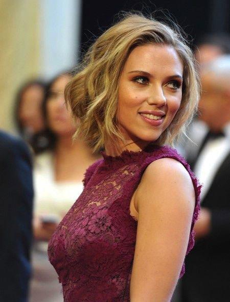 Wavy-Bob-Cut Best Scarlett Johansson Short Hair