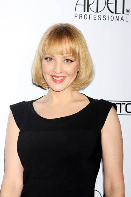 21-Wendi-Mclendon-Covey-2018-634 Short Blonde Hair with Bangs