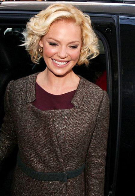 24-Katherine-Heigl-Short-Hair-469 Short Curly Hairstyles for Women