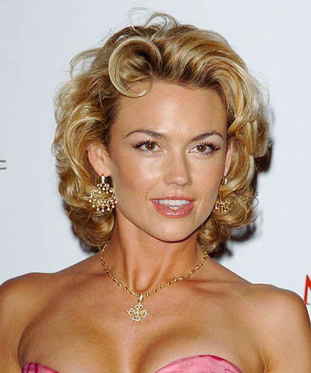 25-Kelly-Carlson-470 Short Curly Hairstyles for Women