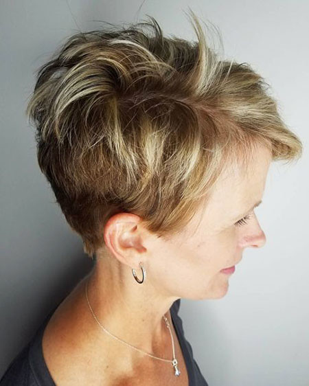 15-Pixie-Cut-774 Short Layered Haircuts