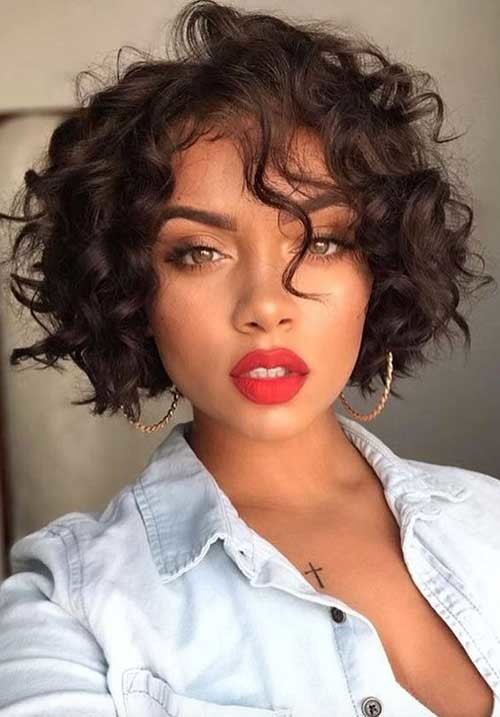 Angled-Curly-Bob Best Curly Short Hairstyles