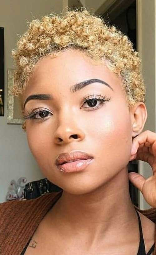 Blonde-Natural-Hairstyle Natural Short Hair Ideas for Cute Ladies