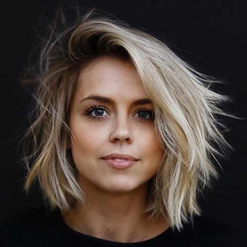 Chic-Blonde-Hair 2018 Latest Layered Short Haircuts for Round Faces