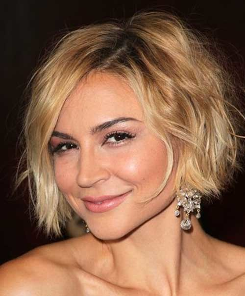 Messy-Short-Hair Chic Blonde Bob Hairstyles for Women