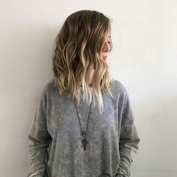Blonde-Hair-3 Popular Short Wavy Hairstyles 2019
