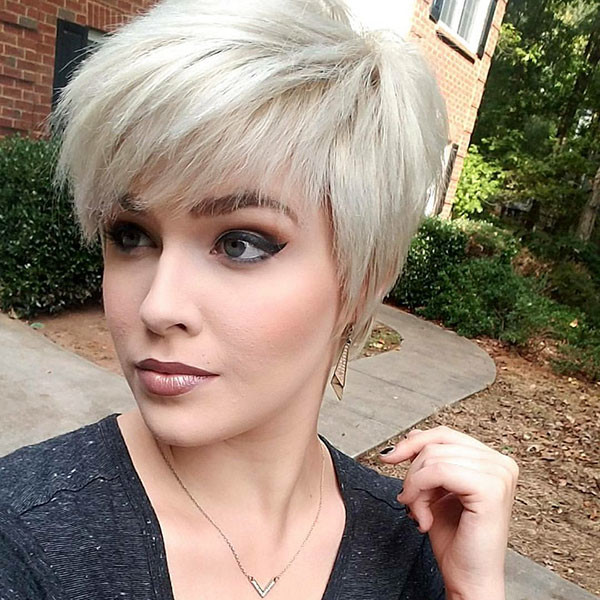 Blonde-Pixie-Cuts Short Hairstyles with Bangs 2019