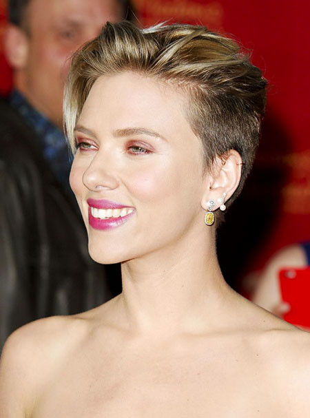 Boy-Cut Scarlett Johansson Short Hairstyles