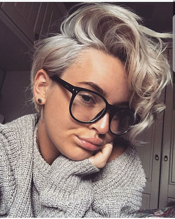 Curly-Pixie-Cut Best Pixie Cut 2019