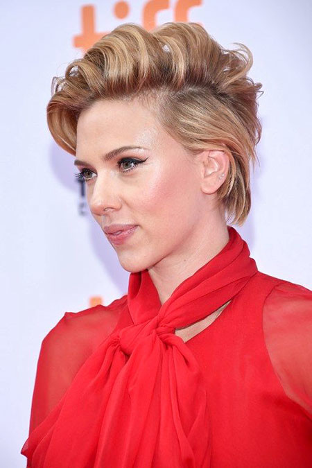 Long-Pixie-Hair Scarlett Johansson Short Hairstyles